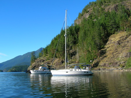 Desolation Sound -  Otter Island anchorage - Rainbow Hunter 2